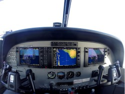 G1000 flight deck cropped