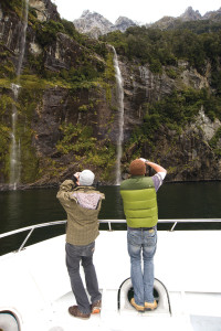 2010_034_Scenic_Waterfall_Couple_Camera